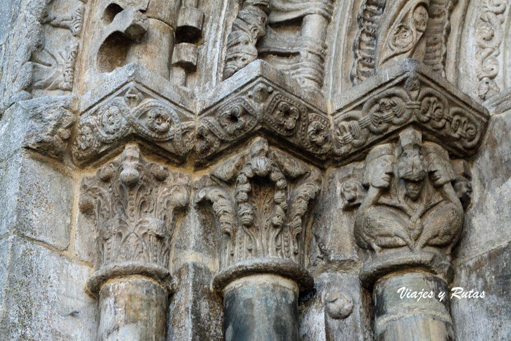 Detalle de la Portada de San Nicolás, Portomarín