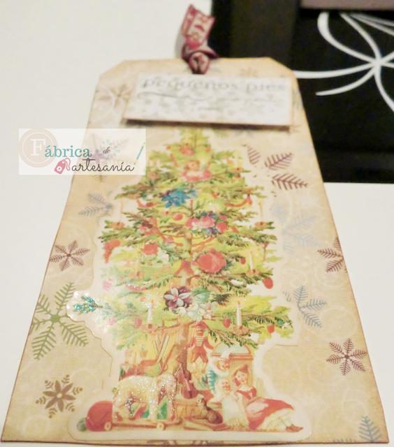 Tag árbol navideño decorado