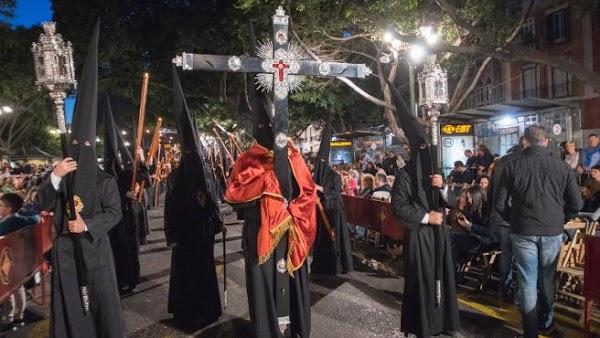 Programa de actos y cultos especial del Viernes Santo de Málaga 2021