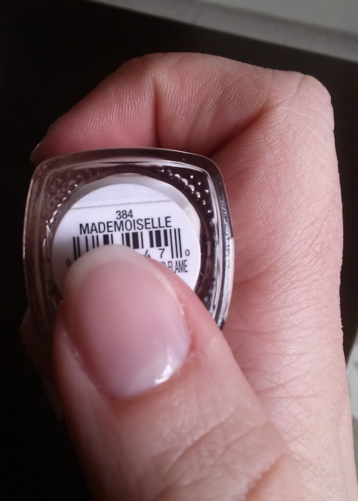 the italiagal: Signature Sunday: Nail Polish: Mademoiselle by essie