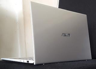 Laptop ASUS VivoBook S13 Core i5 Generasi 8
