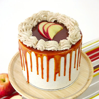Gâteau Layer Cake Pommes Cannelle et Caramel Beurre Salé