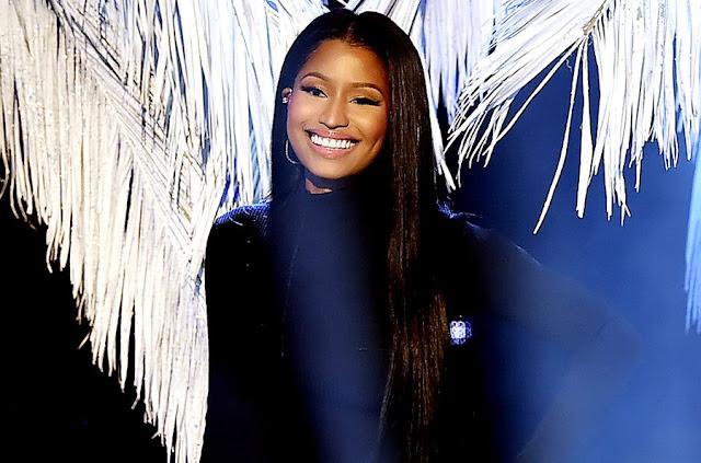 Nicki Minaj - American Music Awards 2016