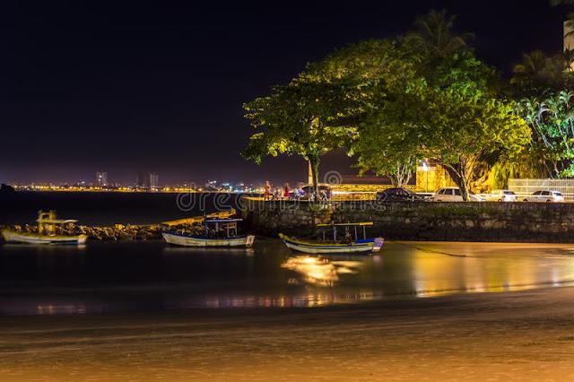 Noite em Guarujá