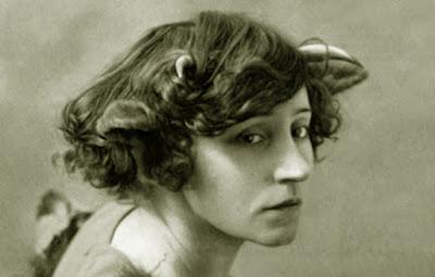 https://es.wikipedia.org/wiki/Colette