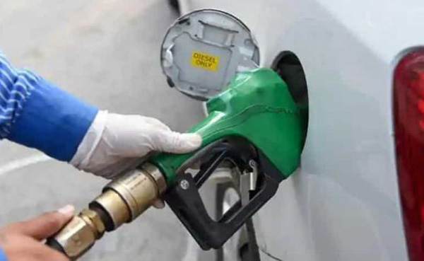 New Delhi, News, National, Petrol, diesel, Price, Petrol Price, Hike, Busines, Diesel price hiked for 18th straight day