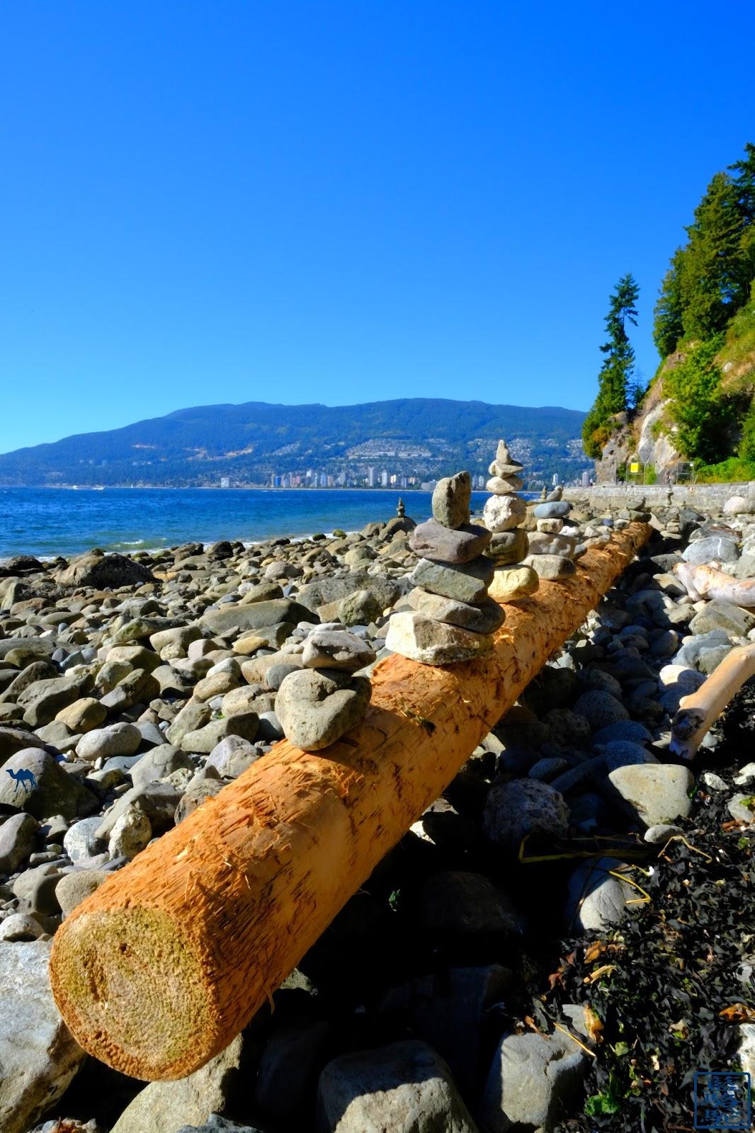 Le Chameau Bleu - Galets  de  Stanley Park - Vancouver