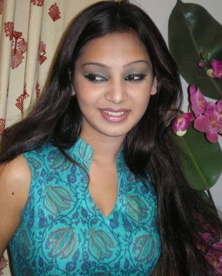 Lake Bell: South Actress Farzana - Hot Pink Saree Stills ...