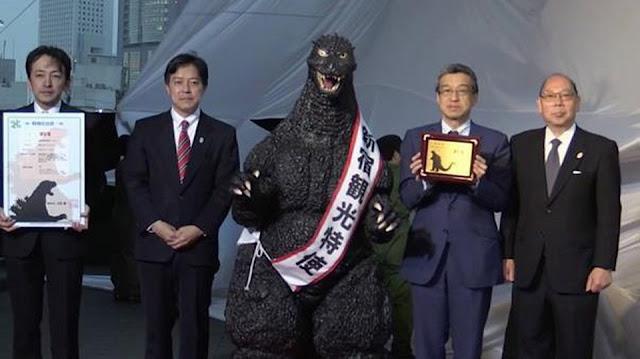 Quái vật Godzilla trở thành công dân khu vực Shinjiku