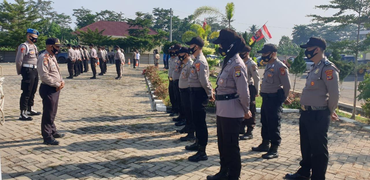 Personil Polres Pesawaran melaksanakan Apel Fungsi yang diambil oleh masing-masing Kepala Satuan