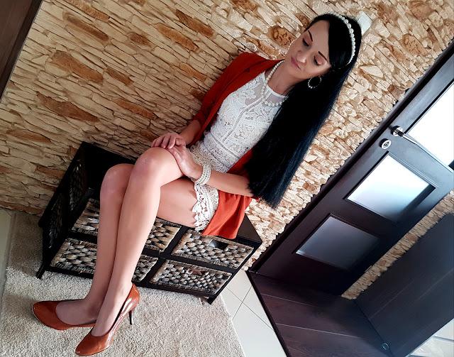 femme lux - luxegal - www.femmeluxefinery.co.uk  - sukienki online - gdzie kupić sukienkę - biała koronkowa sukienka - sukienka na święta - sukienka na Komunię - sukienka na rodzinną uroczystość
