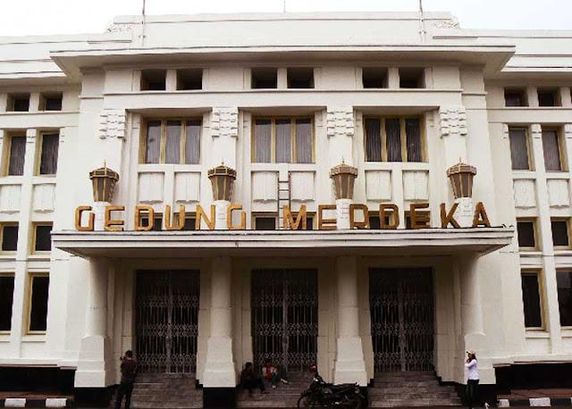 Foto gedung Merdeka Bandung