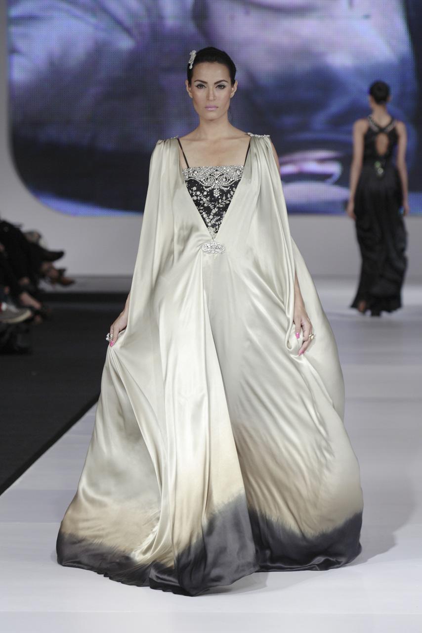 Paris Fashion Garments Exeibation World Wide 2013