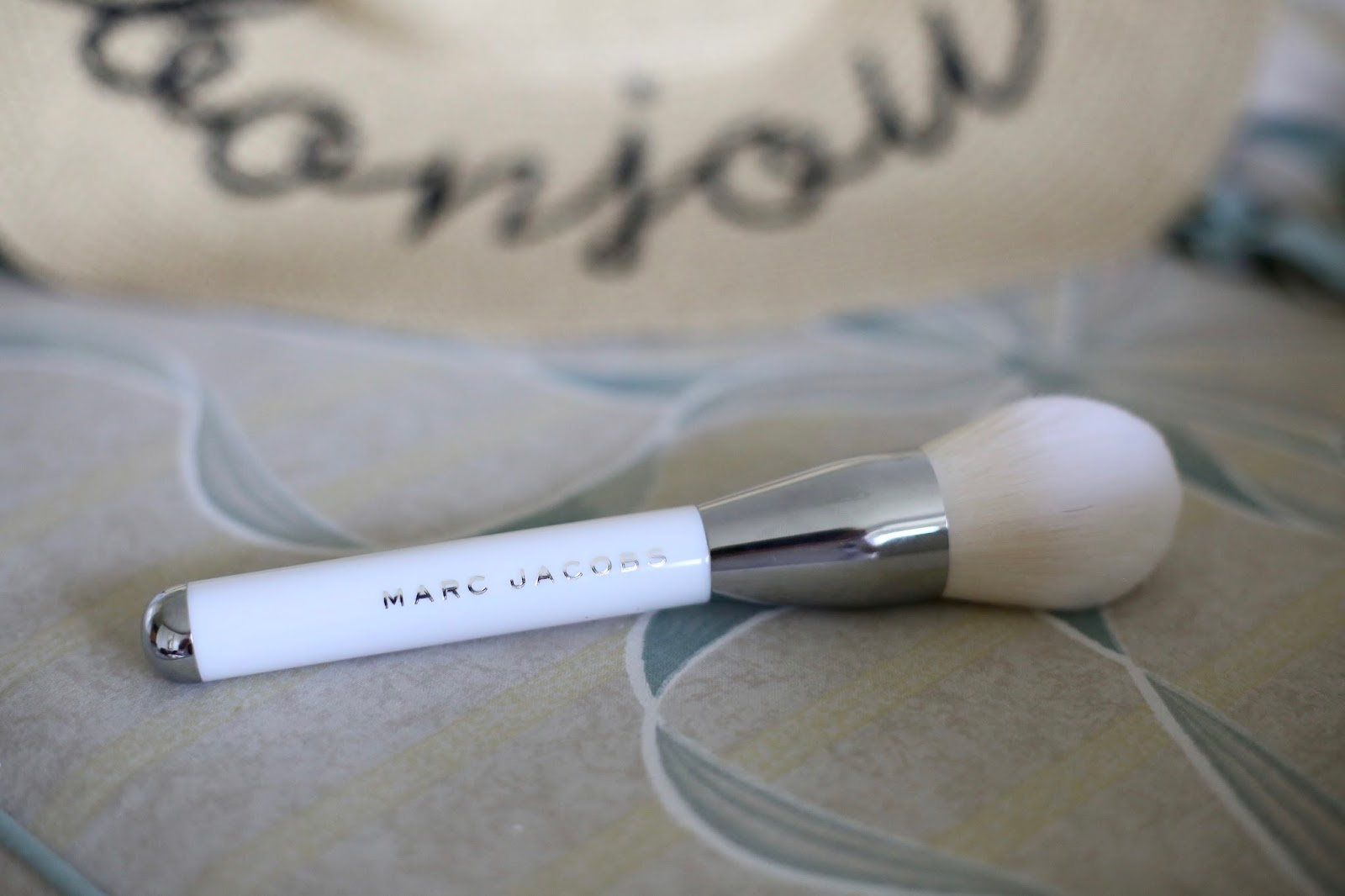 marc Jacobs powder brush