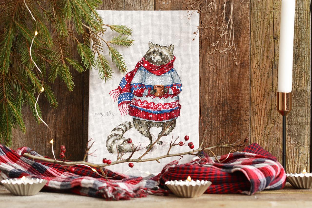 Szop w sweterku - Ekaterina Gafenko