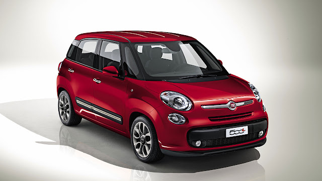 Fiat 500L front red