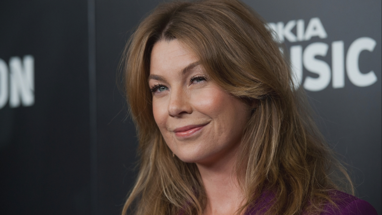 Ellen Pompeo en una red carpet