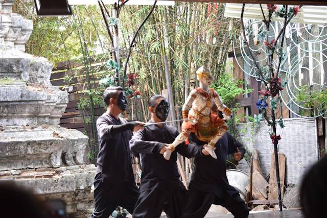 Riverside Artisan Village Puppet Show