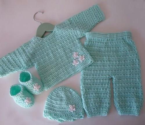 Mint Green Newborn Baby Set - Free Pattern