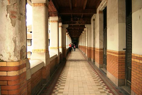Tempat Wisata Lawang Sewu di Kota Semarang yang penuh Misteri Tempat Wisata Terbaik Yang Ada Di Indonesia: Tempat Wisata Lawang Sewu di Kota Semarang yang penuh Misteri