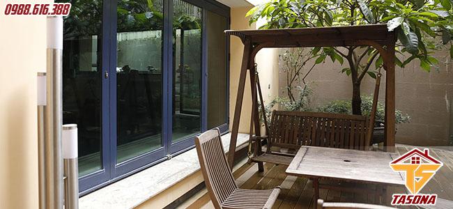 Cửa sổ lùa cho không gian khu biệt thự