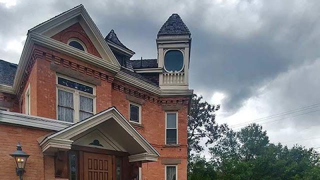 Hines Mansion Exterior