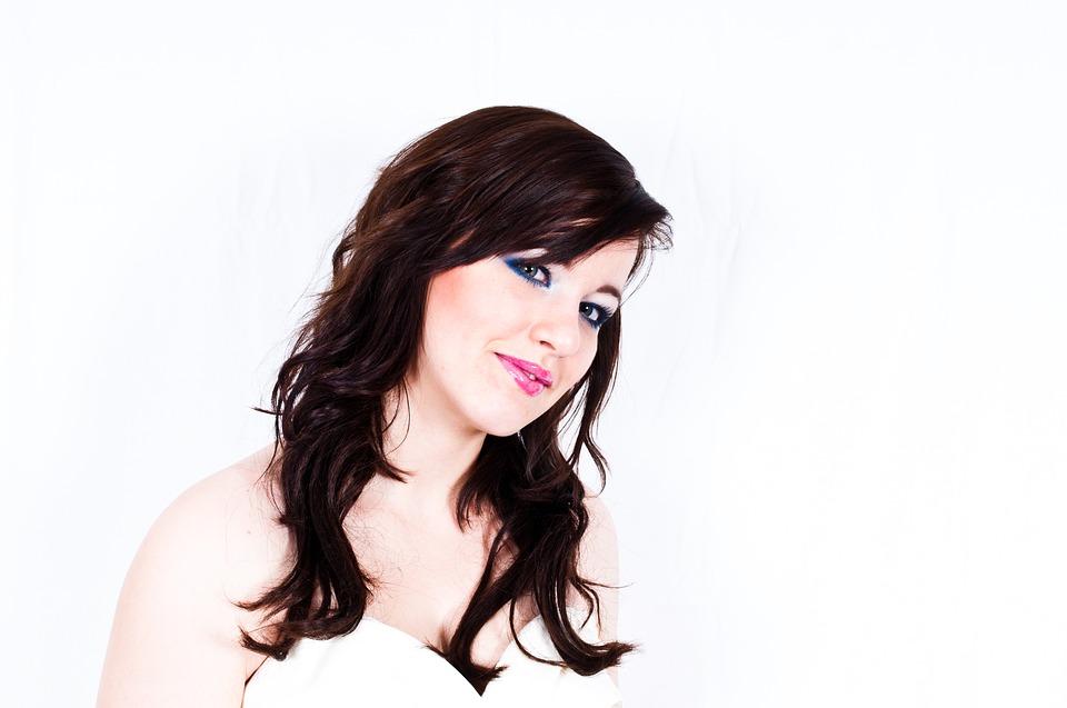 https://pixabay.com/pl/kobiet-portret-twarz-m%C5%82ody-kobieta-1164095/