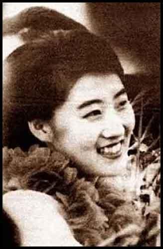 cleveland854321: KIM JONG UN HAS A GIRLFRIEND