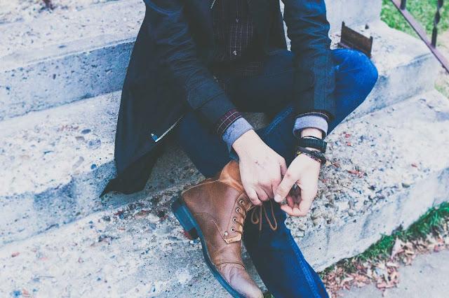 حذاء من الجلد الخام يحطم أفضل الإيرادات