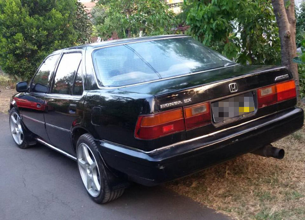 Honda Accord Prestige belakang
