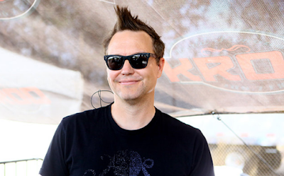 """Lirik Lagu Mark Hoppus - December (Again)"""