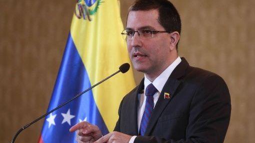 Canciller Arreaza repudia que Pompeo y Holmes sigan atacando a Venezuela