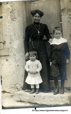 photo ancienne  enfants et maman