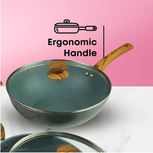 Little Home Jo's Marble Cookware Feature - Bakelite Handle - Ergonomic Design