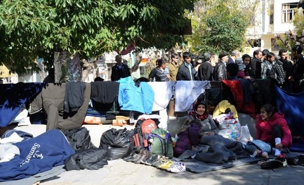 Kαταυλισμοί σε όλη την Ελλάδα - Η κυβέρνηση σε βέρτιγκο