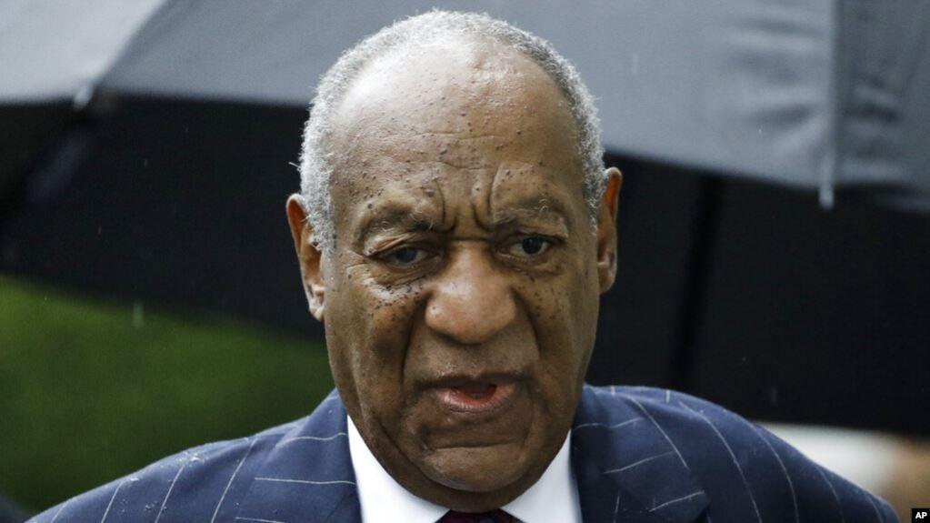 Bill Cosby llega a la audiencia de su sentencia en el juzgado del condado de Montgomery, en Norristown Pennsylvania / AP