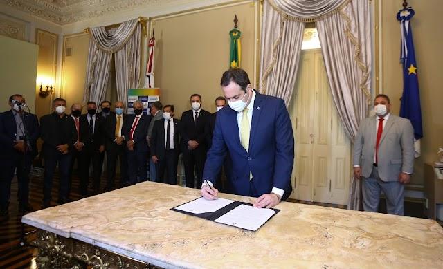 Paulo Câmara sanciona lei que concede anistia de IPVA vencidos em 2020 para motos