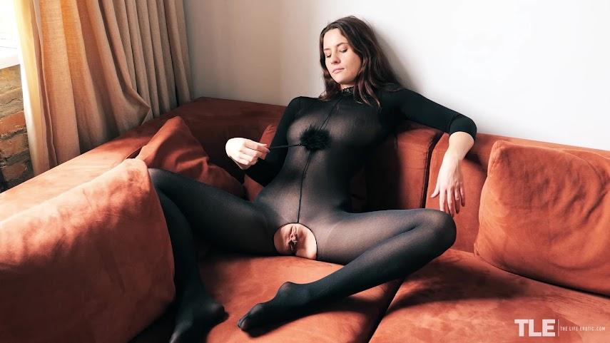 [TheLifeErotic] Mara Blake - Back In Black ? Hottest Girls of the Web - idols