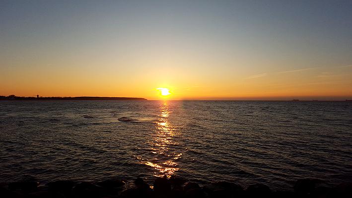 Sonnenuntergang-Warnemünde