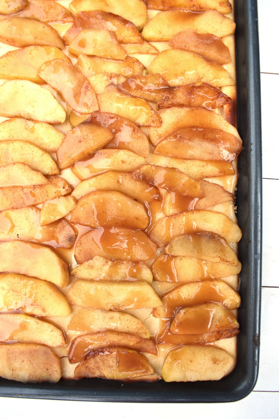 sheet pan caramel apple cheesecake bars