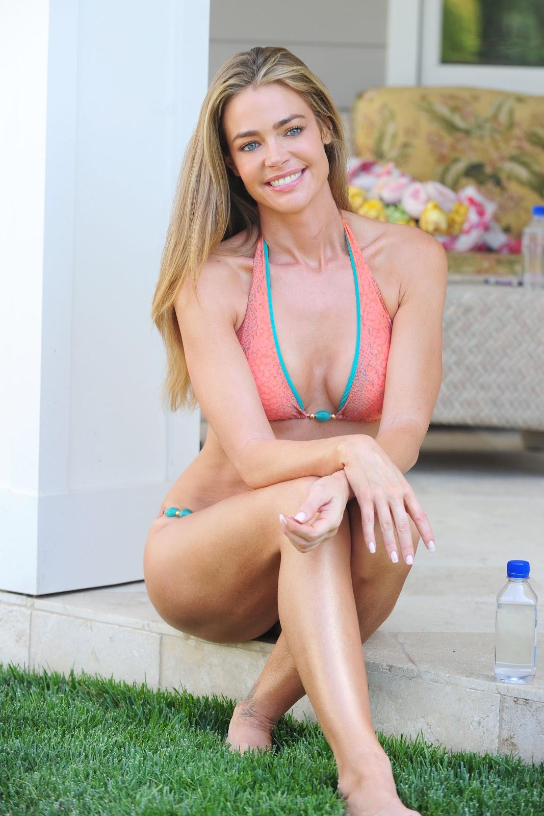 Hot pic: Melita Toniolo bikini candids
