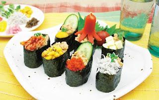 Gunkan Sushi (軍艦寿司)