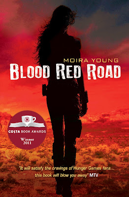 Especial: Caminhos de sangue (Blood Red Road), de Moira Young. 17