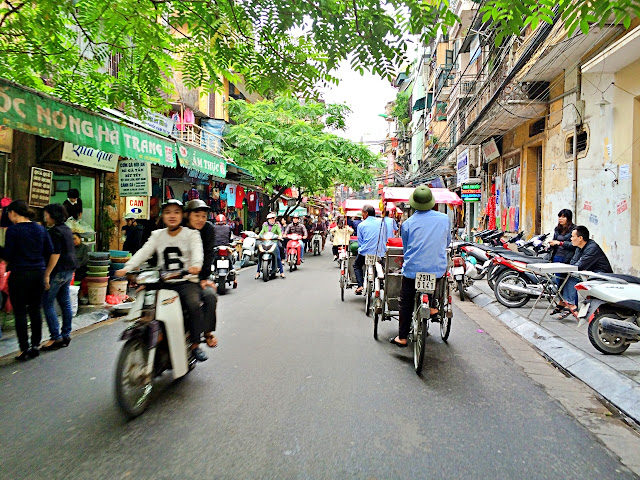 Cyclo exploration of Hanoi
