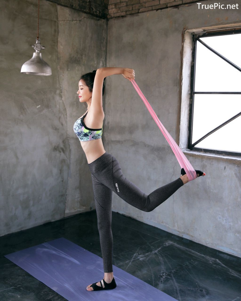 Image-Korean-Fashion-Model-Jin-Hee-Fitness-Set-Photoshoot-Collection-TruePic.net- Picture-4