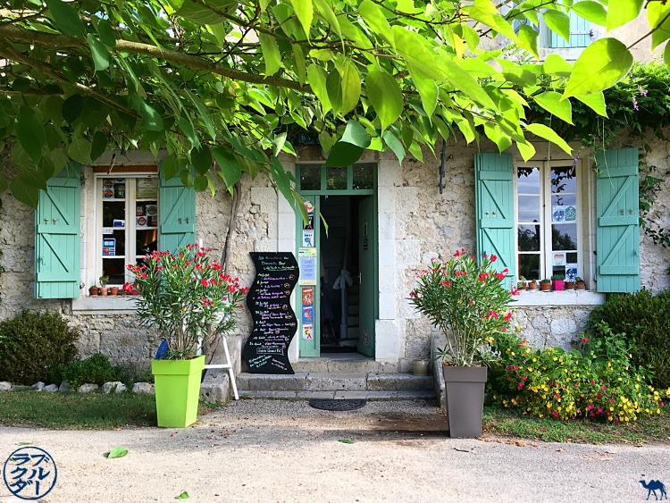 Le Chameau Bleu - Blog Voyage à Vélo Canal de l'Entre Deux Mers - La poule à vélo Maison d'hôte à Saint Jean de Thurac - Lot et Garonne France
