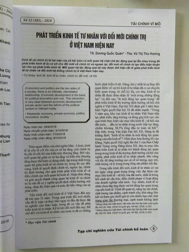 Dương Quốc Quân, Vũ Thị Thu Hương - Phát triển kinh tế tư nhân với đổi mới chính trị ở Việt Nam hiện nay