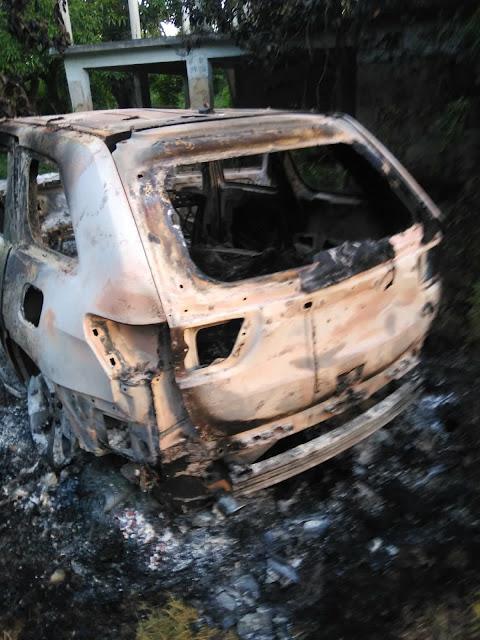 Hallan tres cadáveres en vehículo calcinado en San Pedro Macorís; se presume víctimas son de SFM