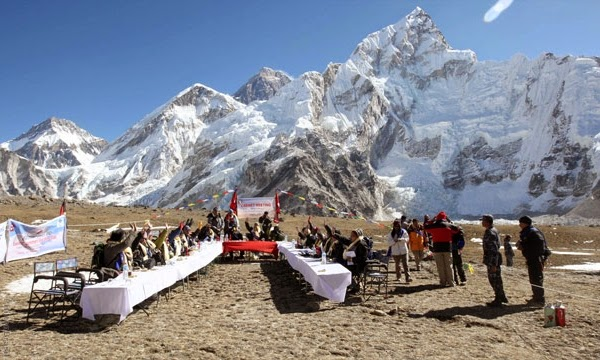 Terremoto no Nepal provoca avalanche no Everest