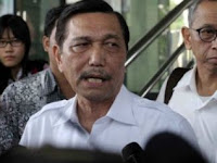 Jokowi Minta Maaf Kepada Mahfud, Luhut: Jangan Berharap Nanti Bisa Sakit Hati